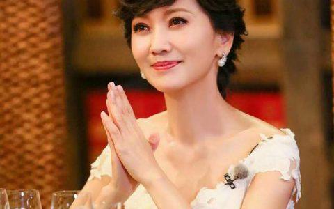 """赵雅芝坦言:她心中的""""女神""""竟是她"""