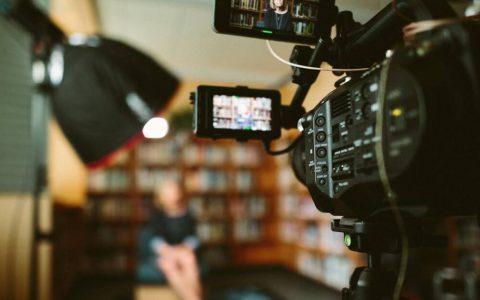 为什么越来越多的人靠投资电影赚钱?影视投资是真的假的?