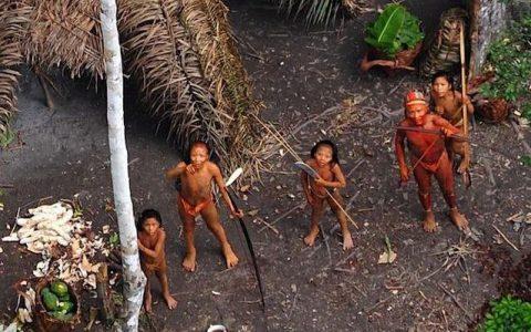 一个封闭了6万年的古老岛屿,原始人的天国,政府已放弃与之接触