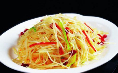 酸辣土豆丝怎么炒好吃?掌握三个小技巧,保证它美味又爽脆