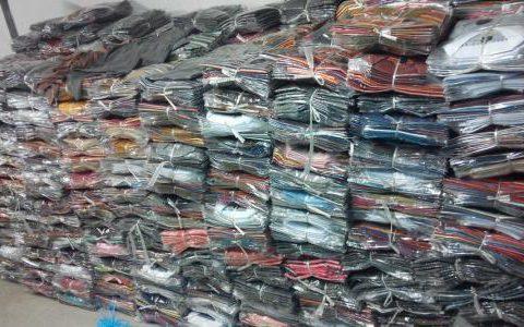 快速清理8000件服装库存的方法揭秘(衣服免费穿)