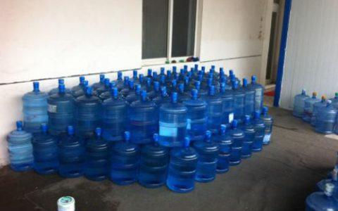 揭秘10000桶18L矿泉水免费送背后满满的套路和赚钱的商业模式