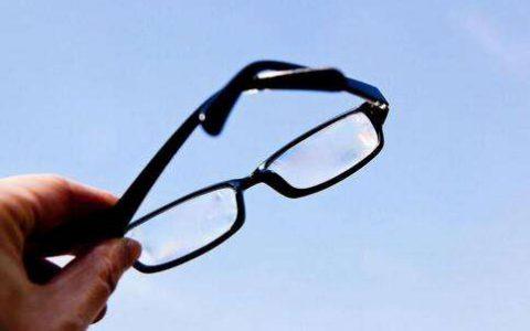 孩子验光后发现是假性近视,可以不戴近视眼镜吗?