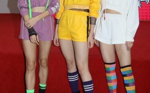 《后街女孩》新歌MV发布会 BINGO热情表演秀性感身材