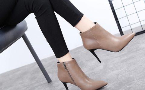浅棕色与黑色相对比,你更喜欢那种颜色的高跟鞋