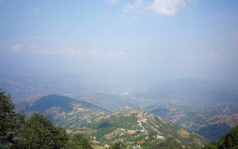 这里由于位置绝佳,被称为喜马拉雅山的观景台