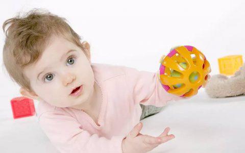 孩子好动且注意力不集中怎么办?这4个方法简单有效!