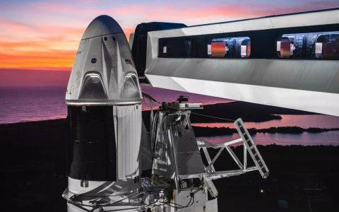 SpaceX发布Crew Dragon国际空间站宇航员逃生系统测试视频
