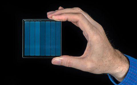 微软在其Project Silica玻璃存储介质上存档了1978年版《超人》