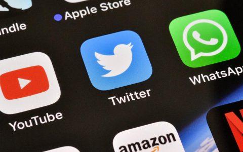 "Twitter正在推出针对iOS上""自动滚动""错误的修复程序"