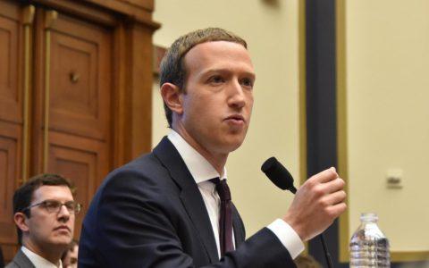 Facebook联合创始人扎克伯格与总统共进晚餐