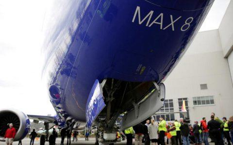 波音737 Max飞机停产,投资评级机构穆迪下调其评级