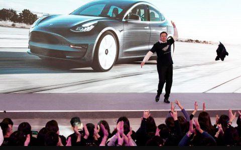 中国产特斯拉(Tesla)Model 3车型正式向公众用户交付