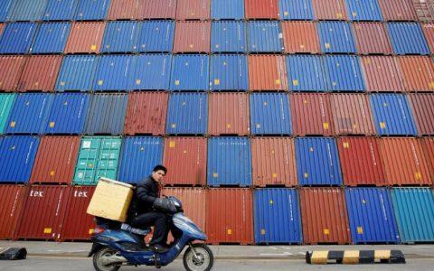 中国第四季GDP增速企稳6% 全年增速为6.1% 人均GDP突破1万美元
