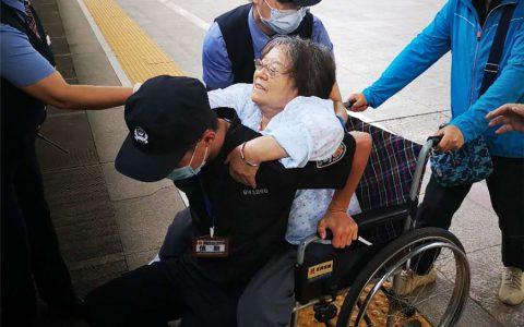 北京老人打电话感谢西安列车安全员, 记铁安保安助人为乐故事