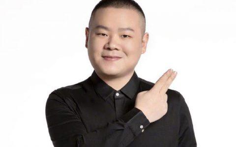 岳云鹏老婆剃了光头:在医院微笑自拍,自曝要做手术引人担忧!