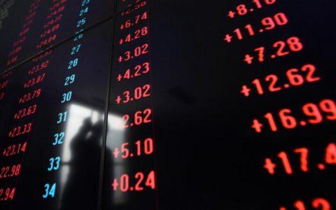 A股盛世持续, 连续第8个交易日突破万亿元人民币