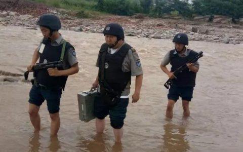 商洛金盾洛南县押运执勤大队在抗洪中顺利执行调配款任务