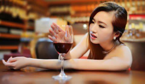 葡萄酒又酸又涩有什么好喝?葡萄酒真的有那么好喝吗?