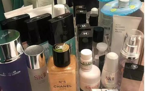 梳妆台上摆满护肤品才是对脸的尊重?那你的脸可要小心了,真不是越多越好!